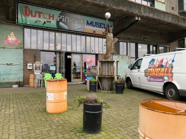 I tried to go to the pinball museum unfortunately they didn't take card payment and I had left my Euros in the hotel room.